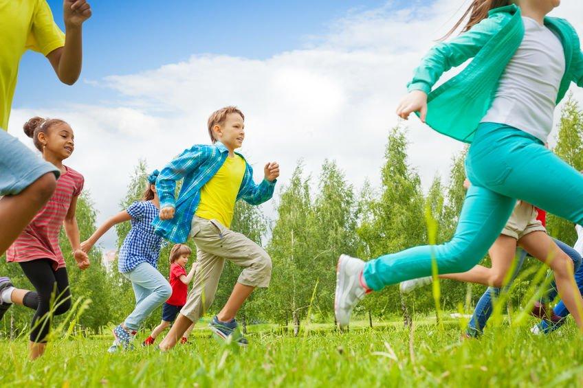 Lo sport e il bambino: perché, quando, quanto, come. La guida SIP per aiutare mamme e papà ad avviare correttamente i bambini all'attività sportiva